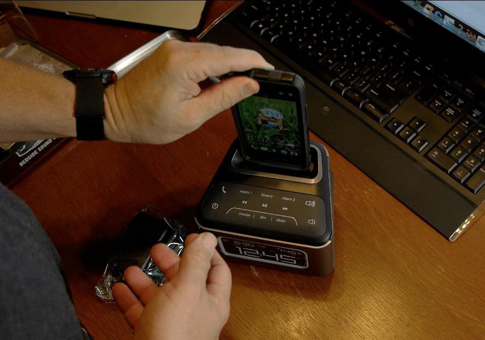 HDMX Jam Micro USB radio and smartphone charger